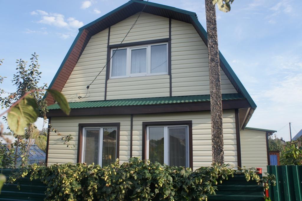 Крыша с софитами обшитыми сайдингом