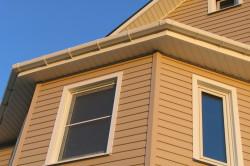 Фасад дома отделанный сайдингом